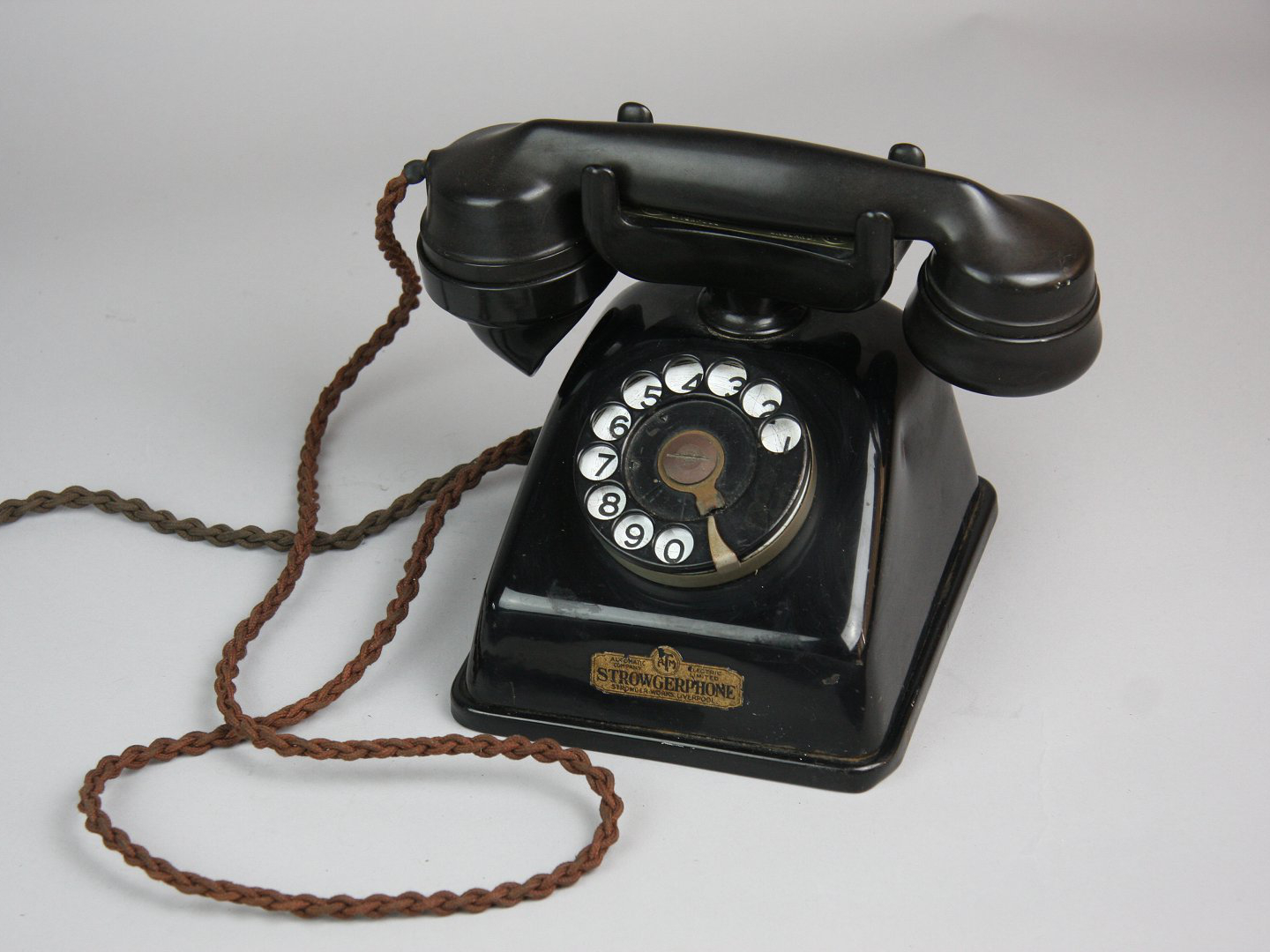 Integrated Strowgerphone